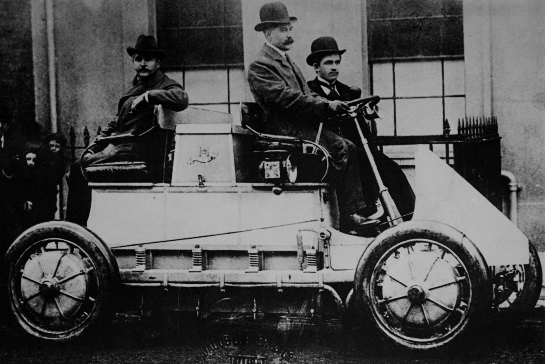 Prvo električno hibridno vozilo na svetu.