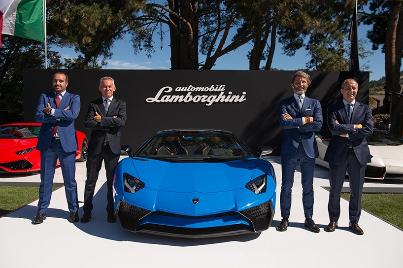 Ponosna Lamborghini ekipa ob svojem najnovejšem mišičnjaku.
