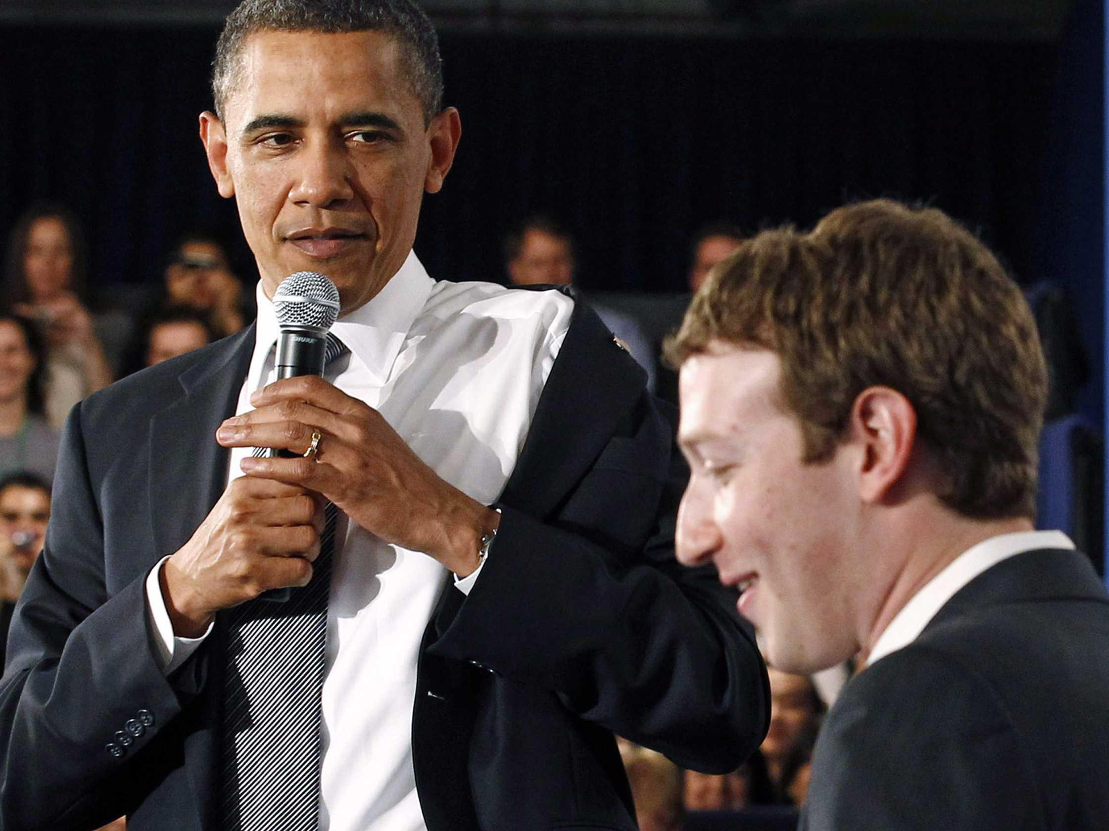 Obama in Zuckerberg oba pogosto nosita ista oblačila.