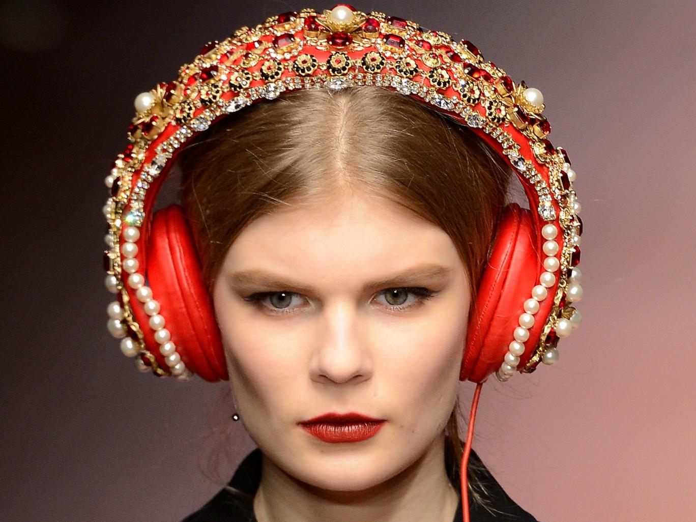 Luksuzna božična darila: slušalke Dolce & Gabbana x Frends