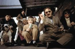 THE ROYAL TENENBAUMS, Kumar Pallana, Amadeo Turturro, Gene Hackman, 2001. (c) Buena Vista Pictures/Courtesy Everett Collection