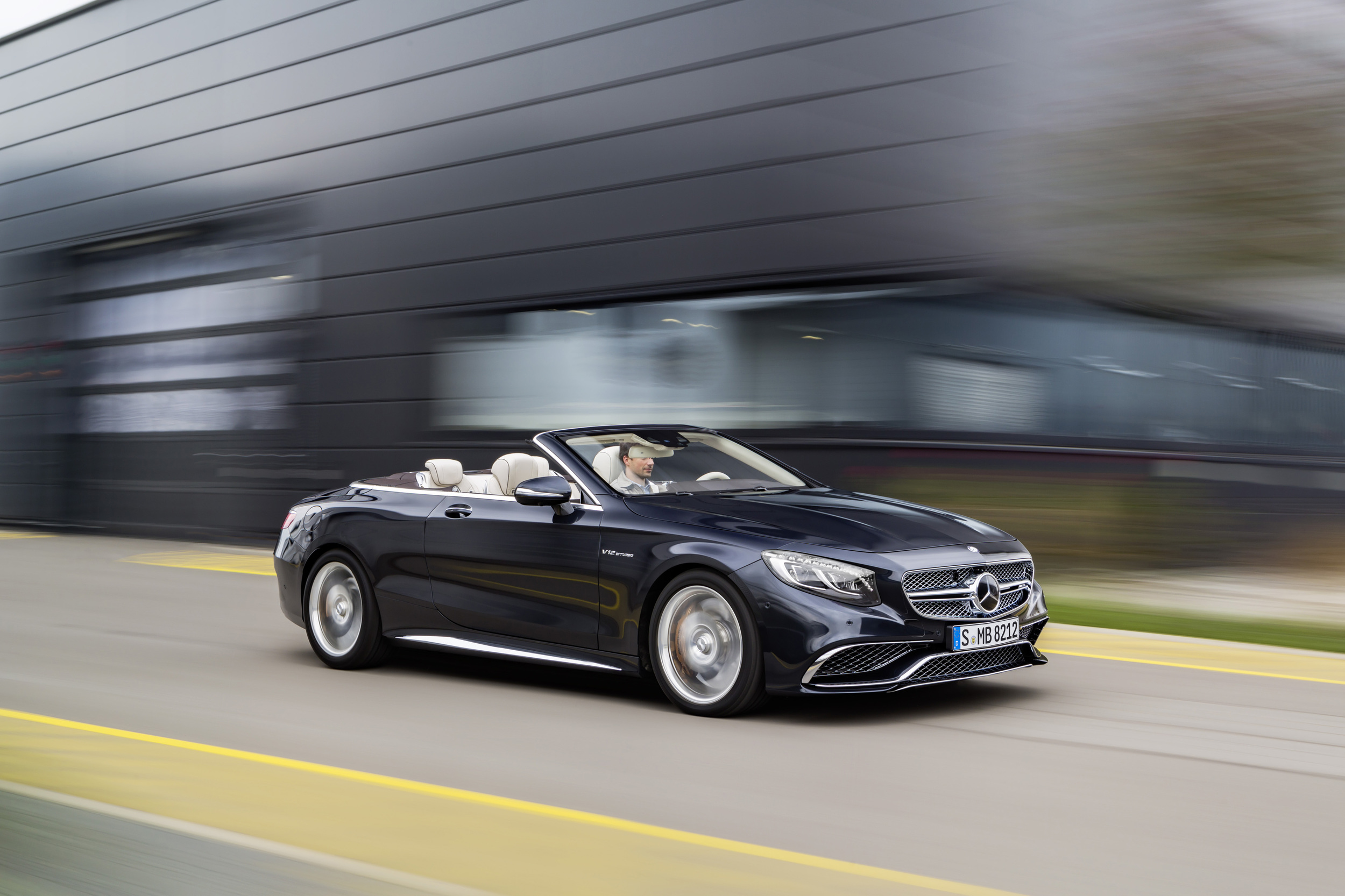 Mercedes-AMG S65 Cabriolet je zverina/lepotec in pol.