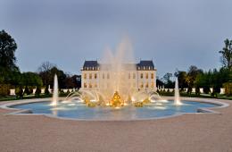 Dvorec Château Louis XIV navduši v vseh pogledih.
