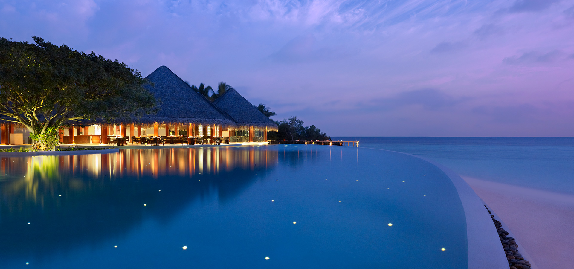 Dusit Thani Maldives, Mudhdhoo Island, Maldivi
