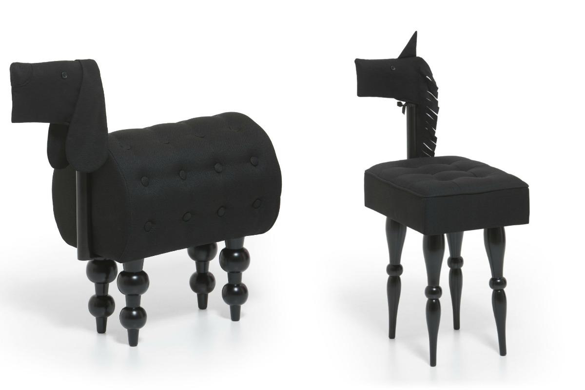 Oblazinjeno pohištvo, ki spominja na pse in ponije