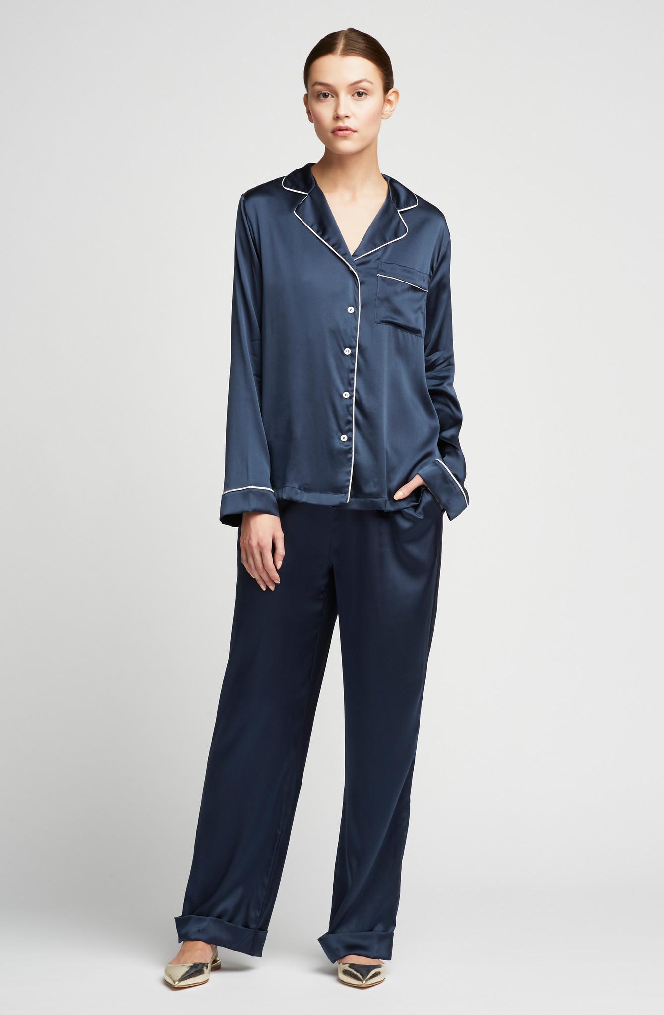 Pižama kot dnevno oblačilo (Yolke, 300€)