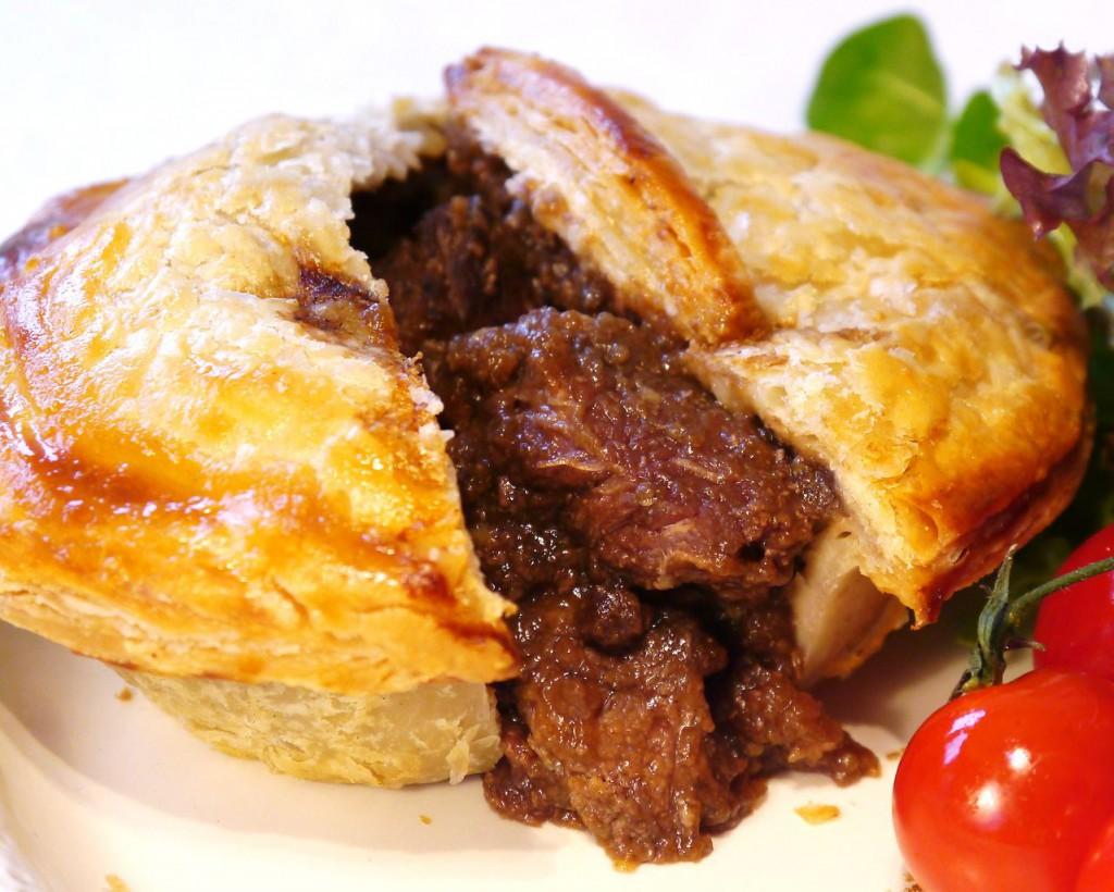 Pita z angleško wagyu govedino za 15.900 ameriških dolarjev