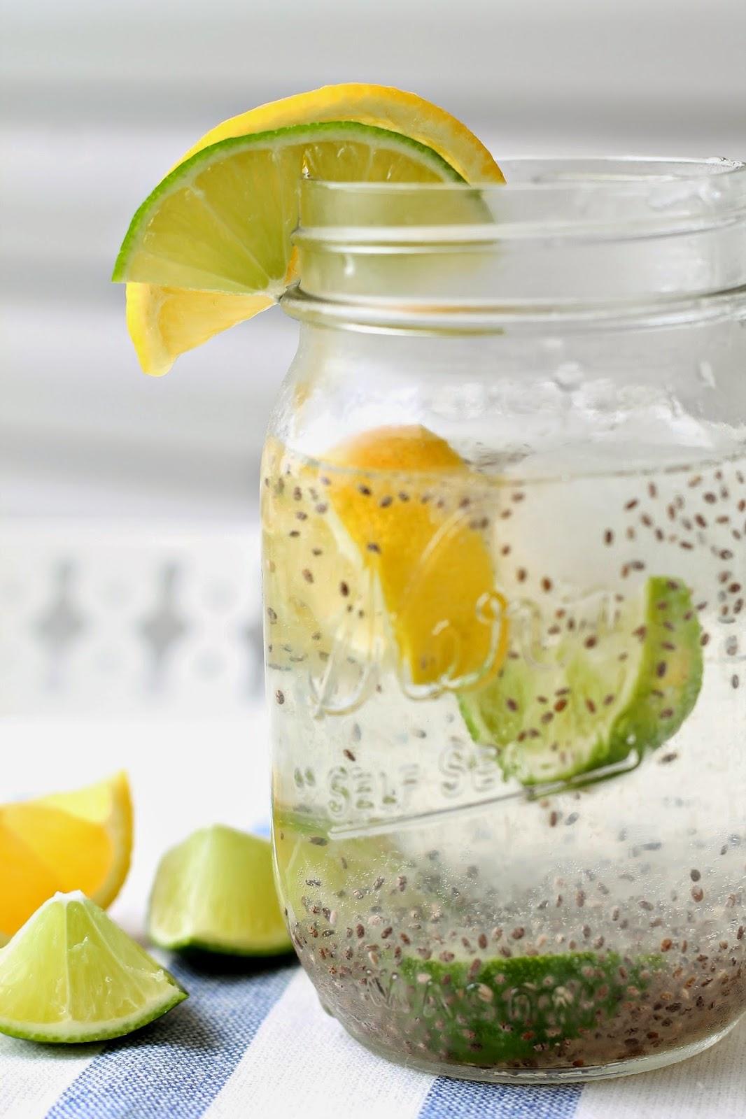 Chia semena in limonska voda