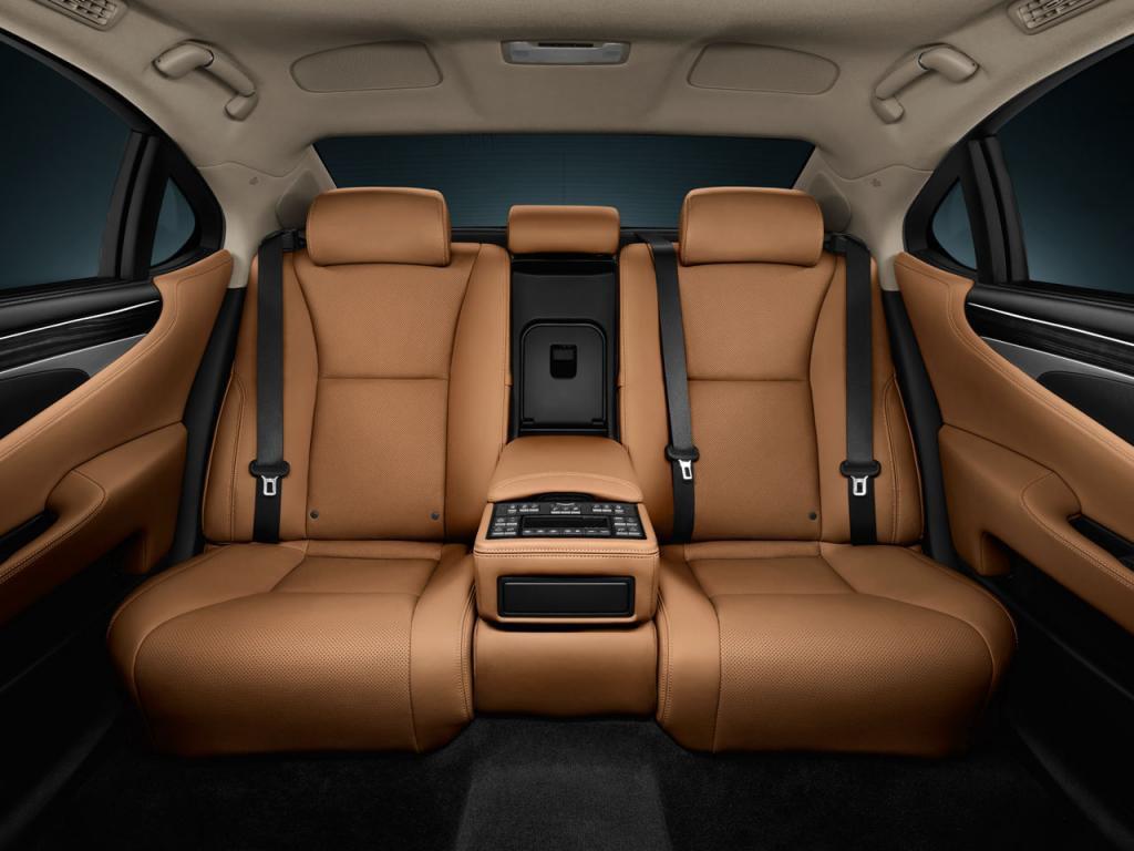 Edinstveni zadnji sedeži Lexusa LS