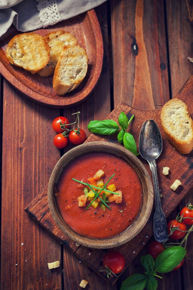 Gaspačo juha nas bo nahranila in ohladila.