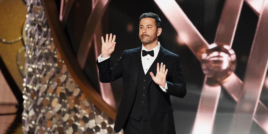 Emmyje 2016 je vodil Jimmy Kimmel.