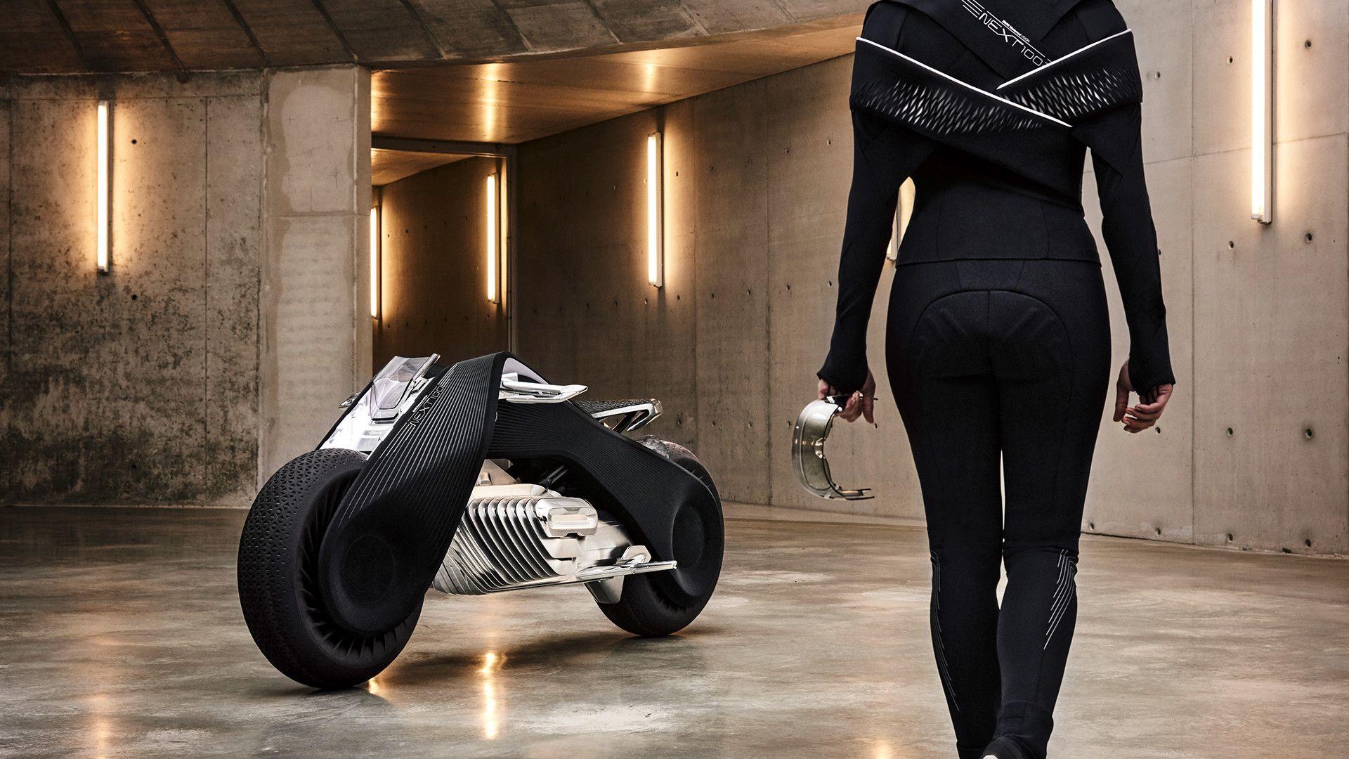 BMW Motorrad Vision Next 100 je motocikel, ki ne pade.