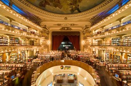 Knjigarna El Ateneo v Argenitni je locirana v starem gledališču.