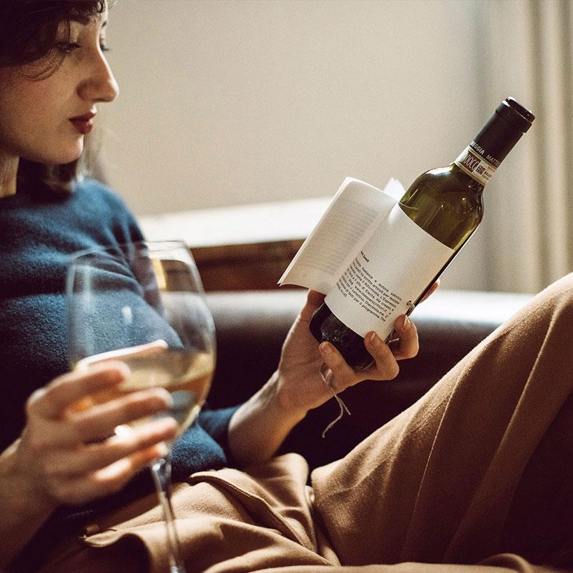 Librottiglia: knjiga namesto etikete – kratke zgodbe na steklenici vina