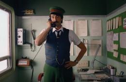 Wes Anderson in H&M posnela praznični oglas Stopimo skupaj.