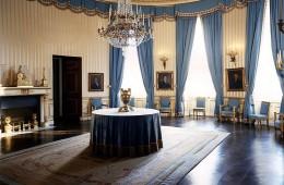 Tako elegantna je bila Bela hiša v času Jackie Kennedy: Modra soba