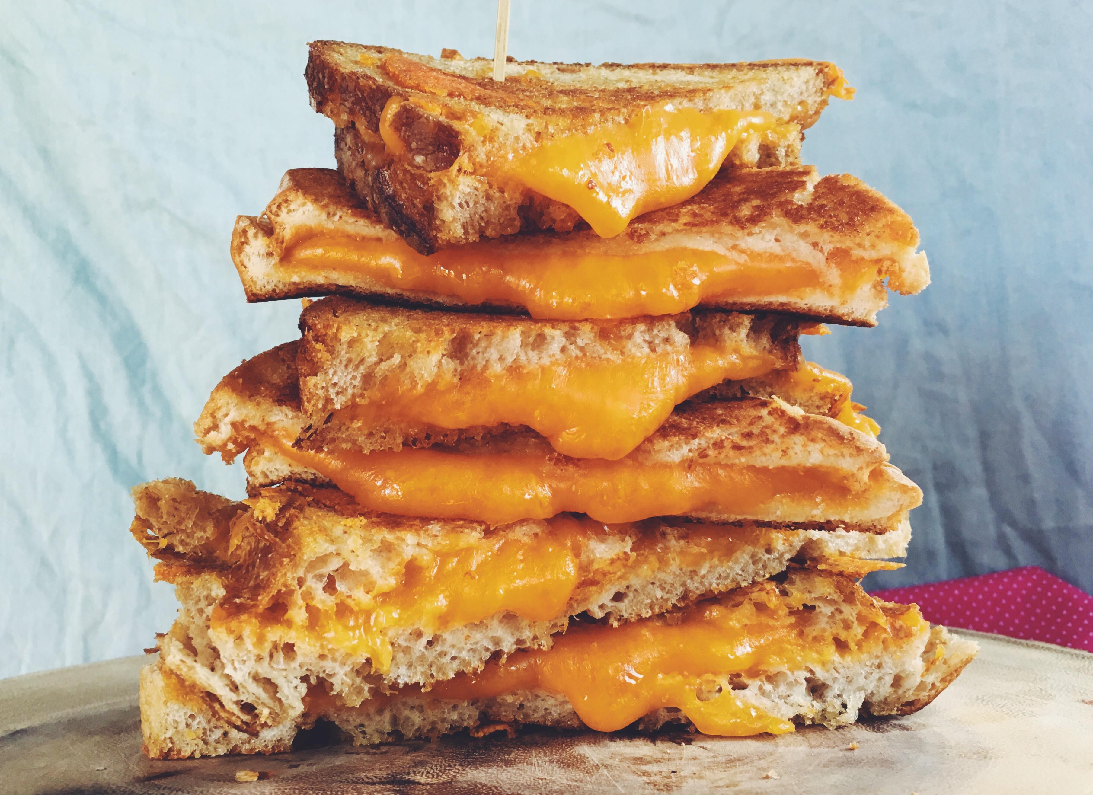 Znanstveniki so dokazali, da so tisti, ki jedo sir, vitkejši