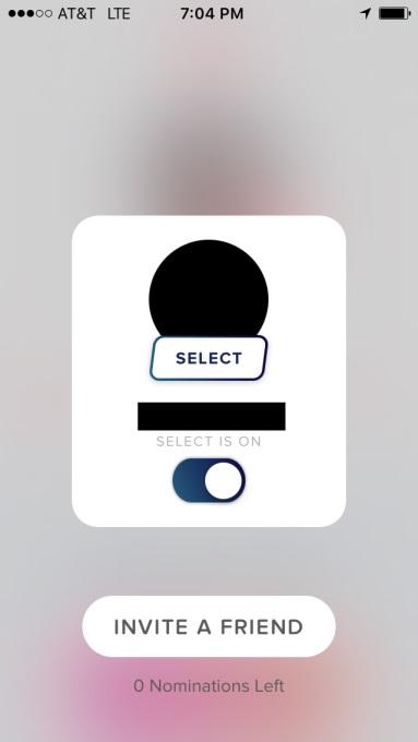 S TinderSelect lahko preklapljate med načinom za 'normalne' ljudi in načinom za 'priviligirane'.