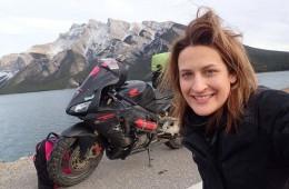 Nikki Misurelli po svetu z motorjem potuje sama