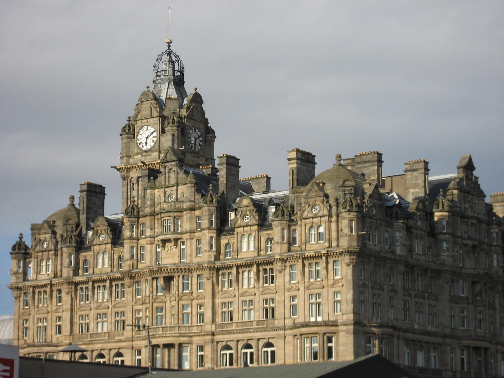 Balmoral hotel, kjer je JKR pisala Harry Potter knjige
