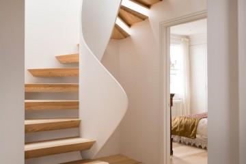 casa-vota-51-architecture-house-london-uk-staircase_dezeen_1568_5
