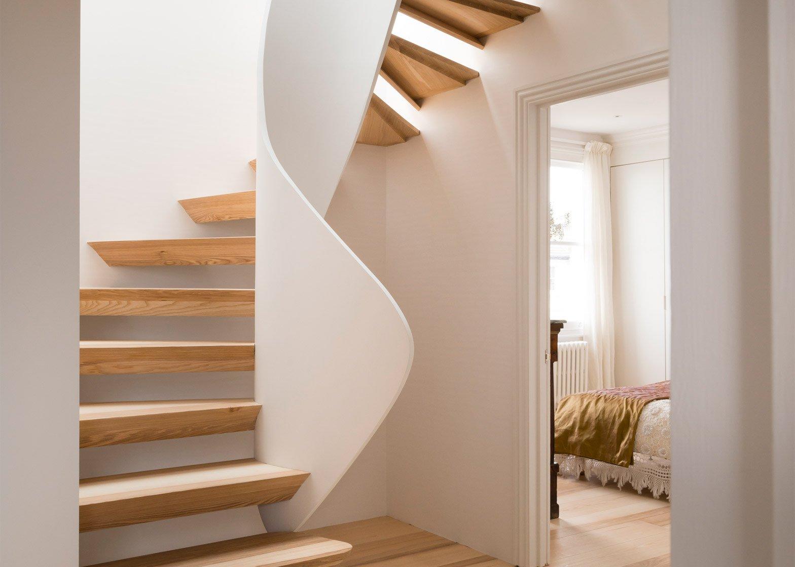 casa-vota-51-architecture-house-london-uk-staircase_dezeen_1568_5