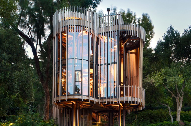 paarman-tree-house-by-mv-architecture-residential_dezeen_hero-1