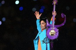 96468b-20160422-prince-on-stage