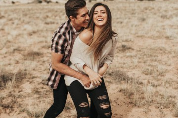 c449422fcd1538544d4ab047e61bcc82--couple-photography-poses-boyfriend-photography