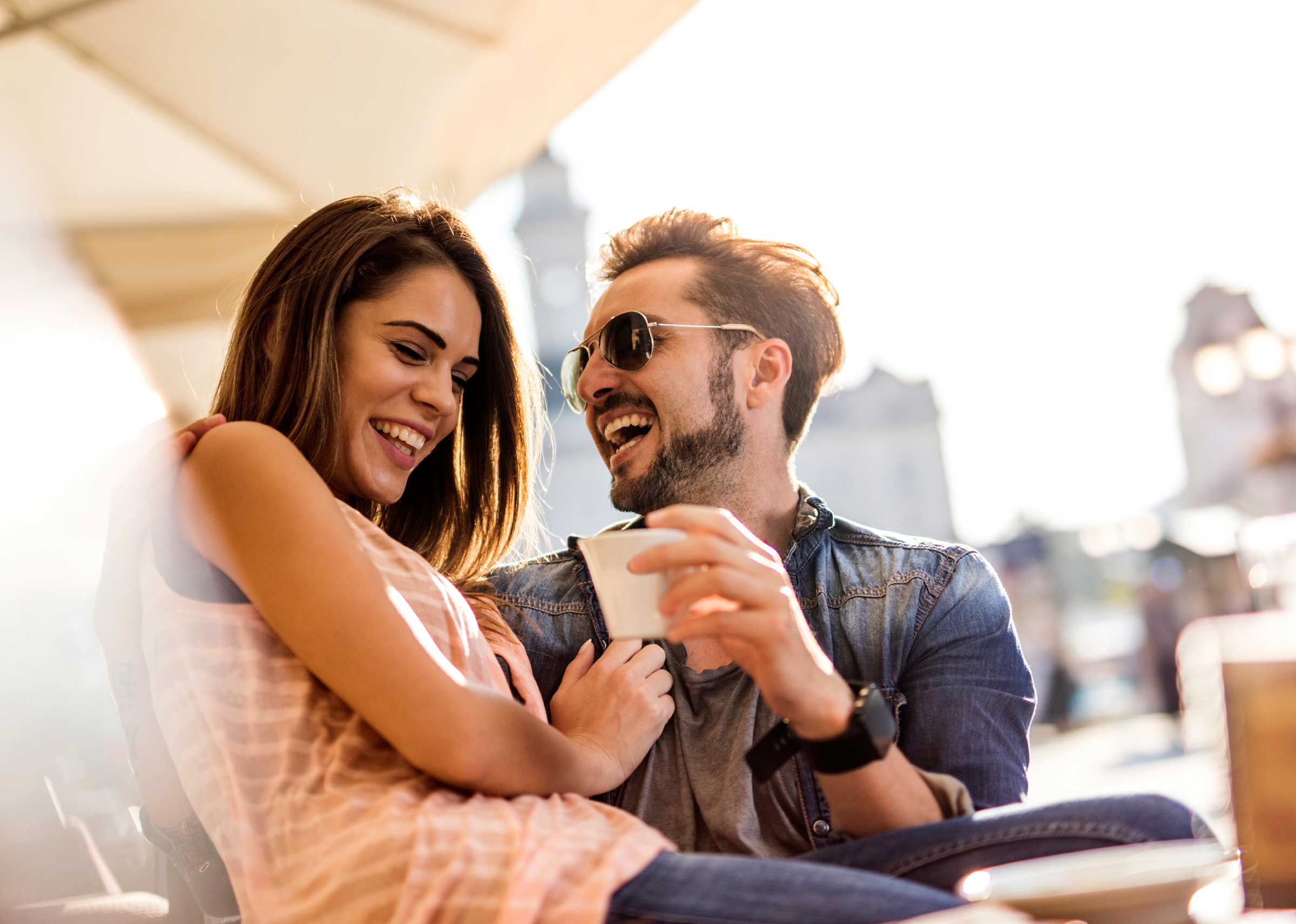 04-weird-facts-laughter-couple-laughing