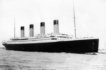 1200px-RMS_Titanic_3