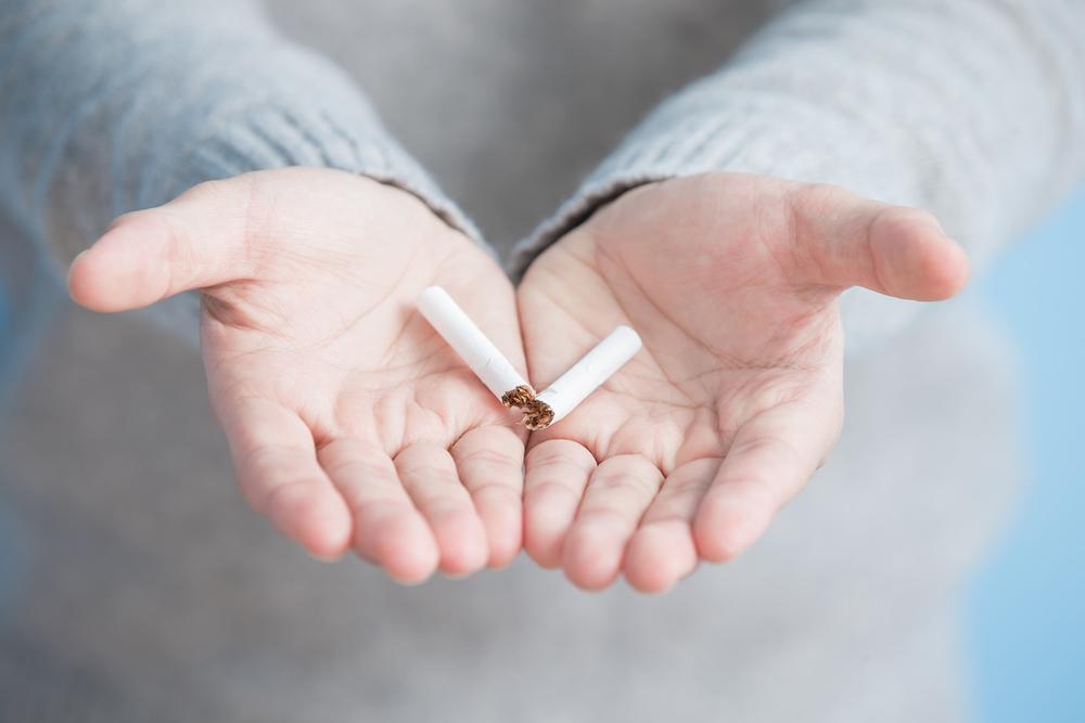 Dve uri po opustitvi kajenja se iz telesa začne izločati nikotin. Foto: Shutterstock