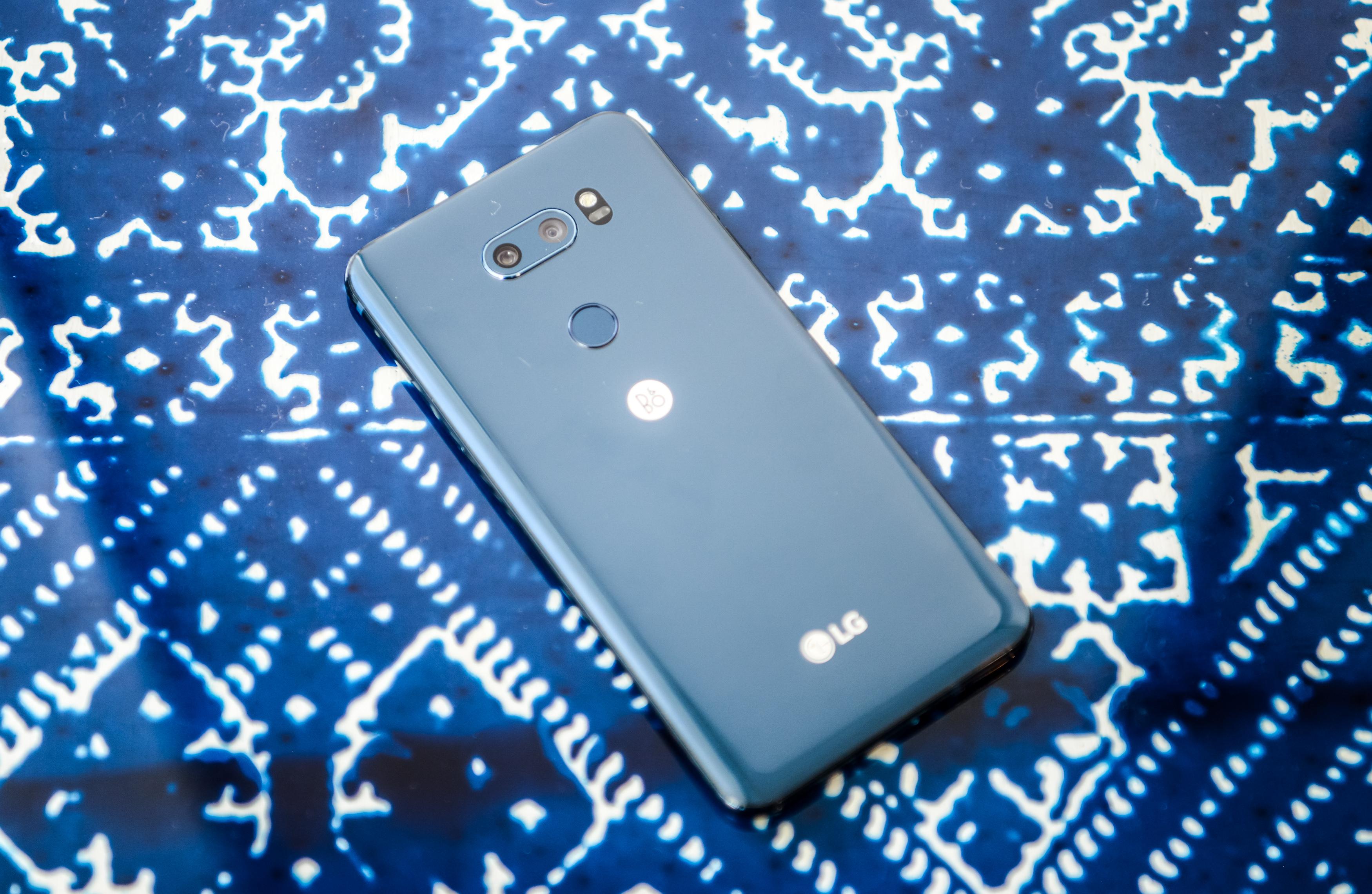 LG V30 - Je izjemno lep telefon!