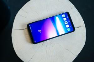 LG V30: Najboljše vedno pride na koncu (test)