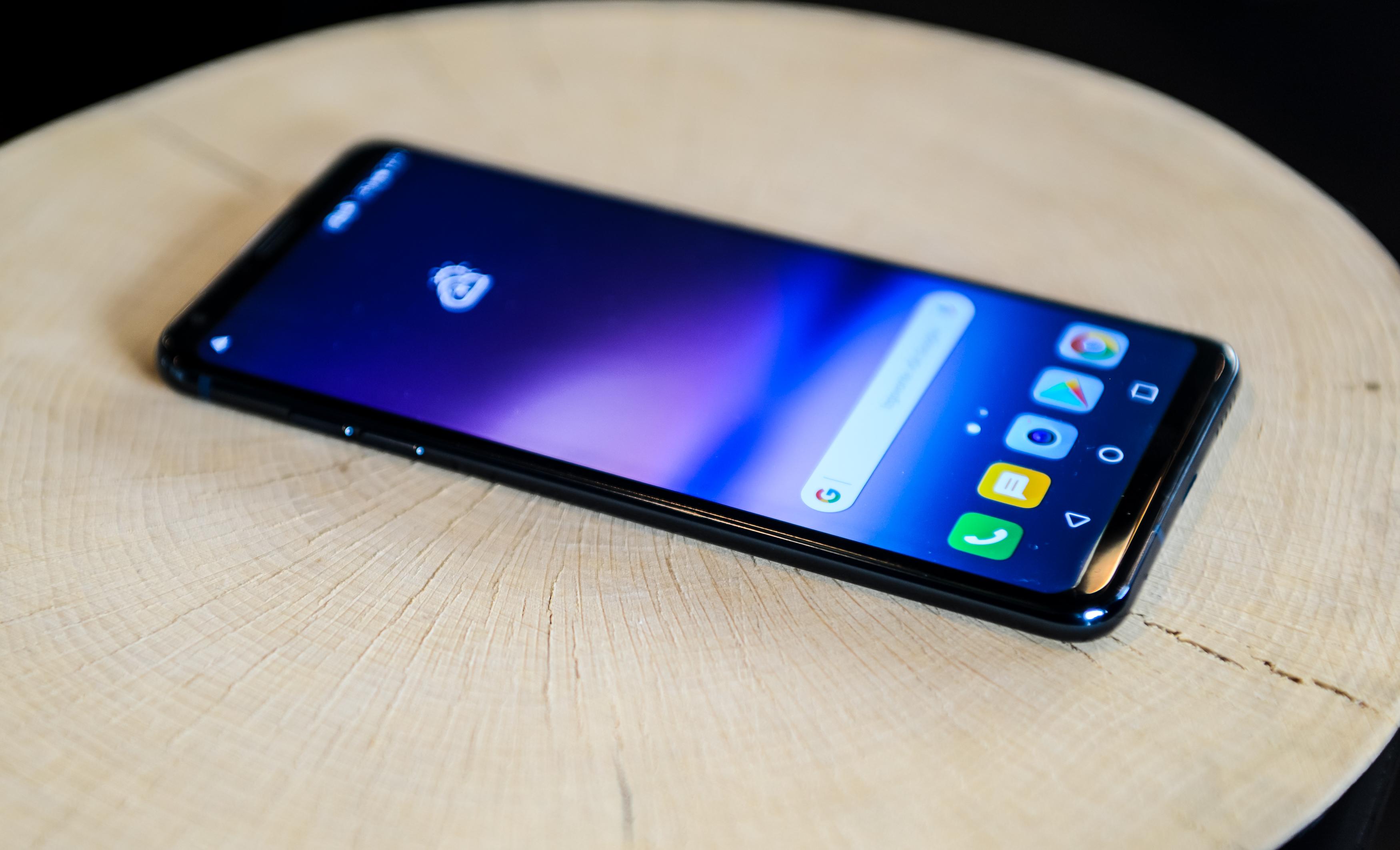 LG V30 - Priznati mu je potrebno idealna razmerja.