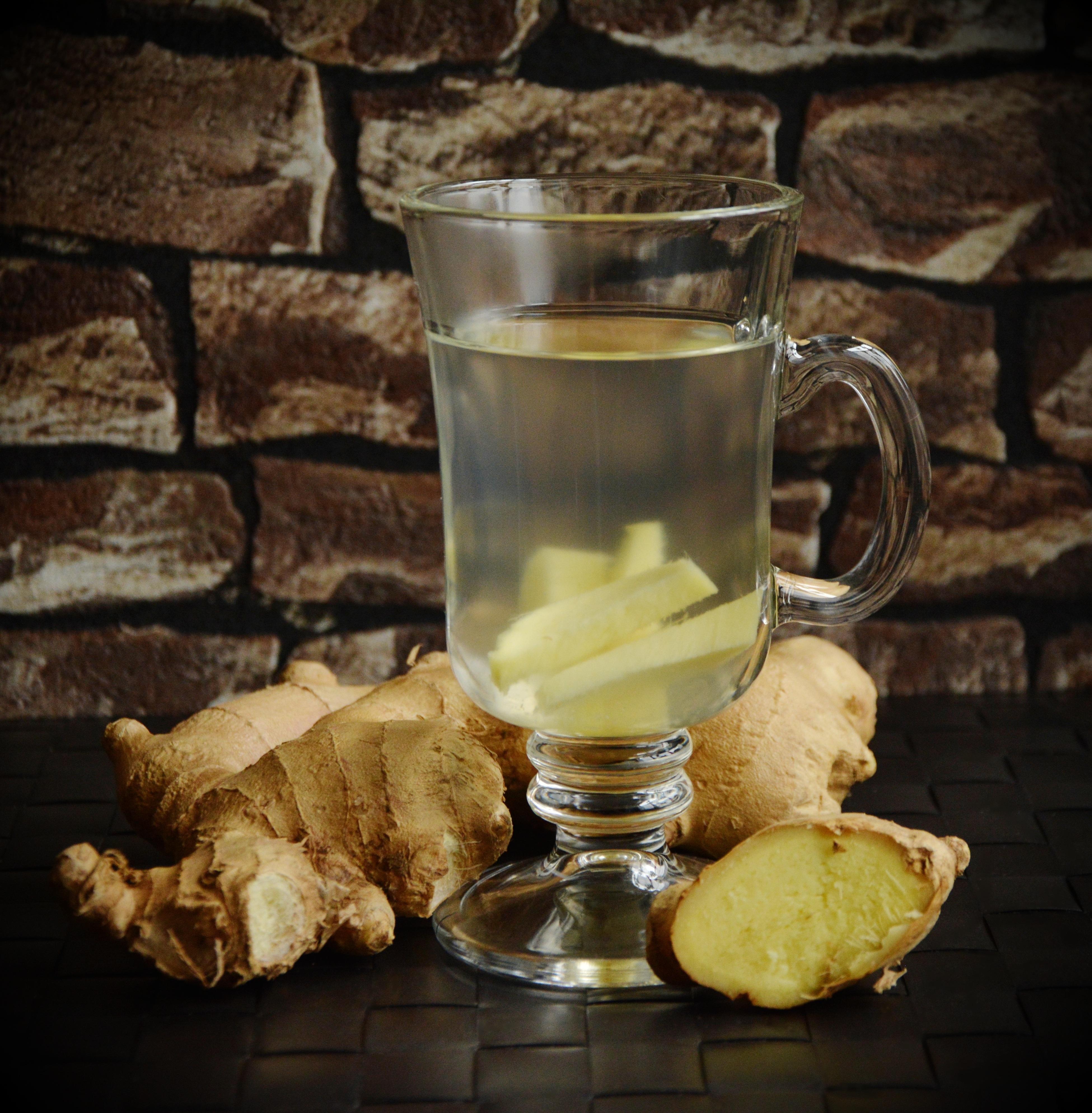 Dan začnite z ingverjevim čajem.