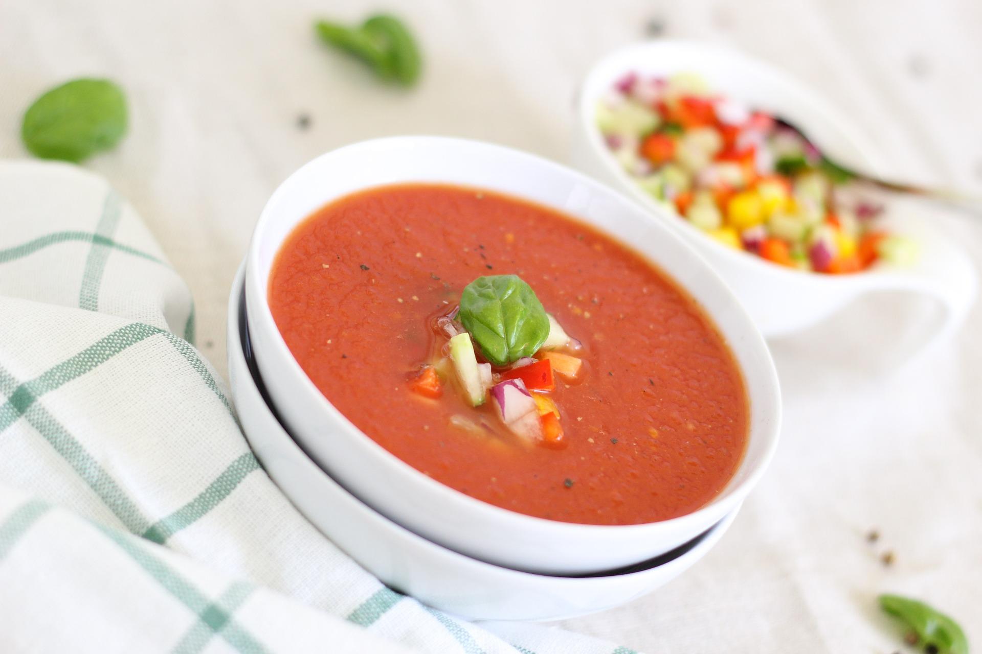 Paradižnikova juha bo dobro dela vašemu želodcu.