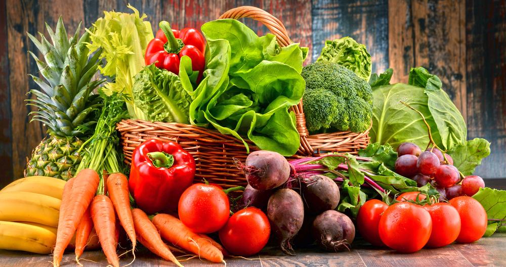 V vaši shrambi naj bodo osnovne sestavine in veliko zelenjave.