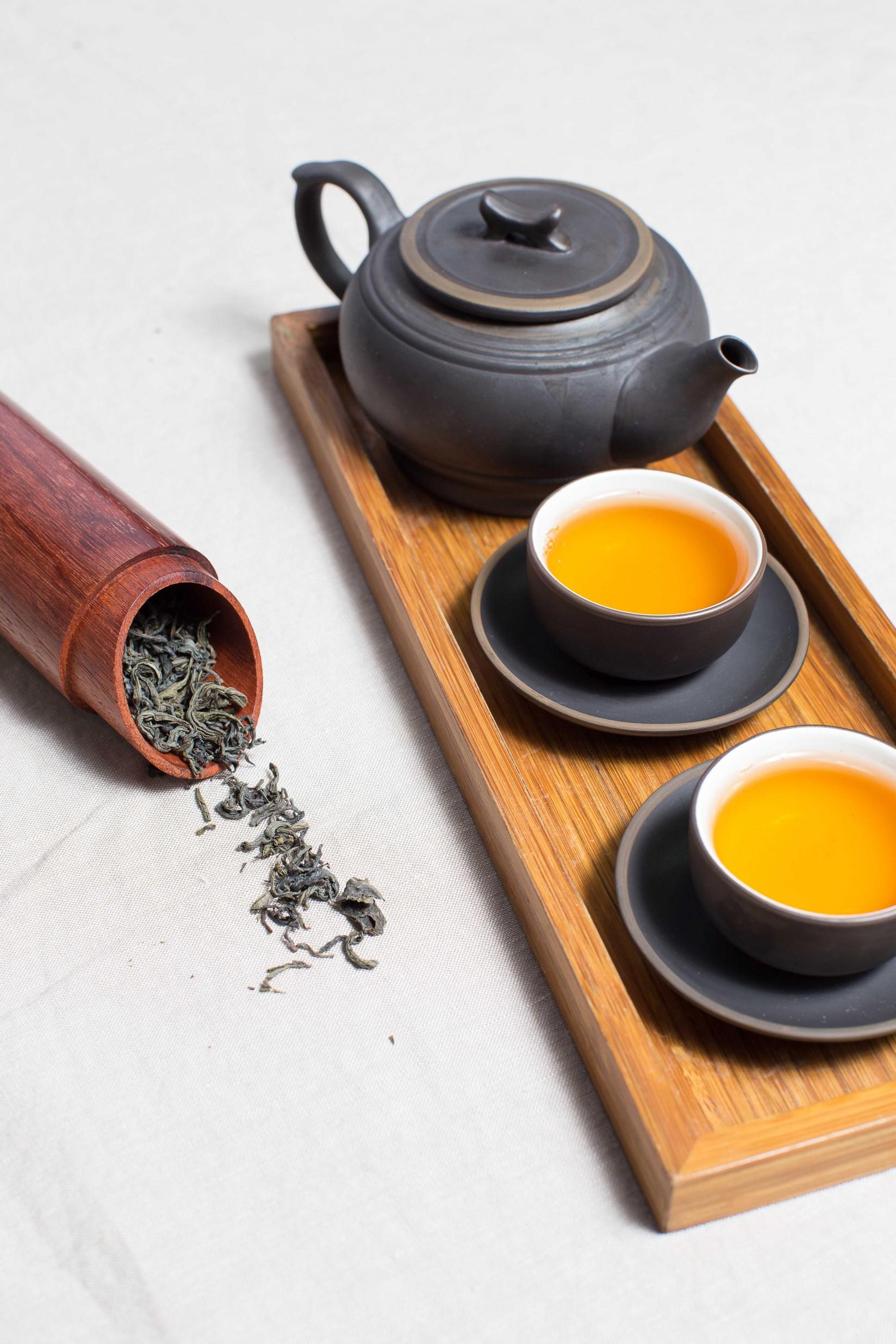 Ali si raje kot kavo privoščite zeleni čaj?
