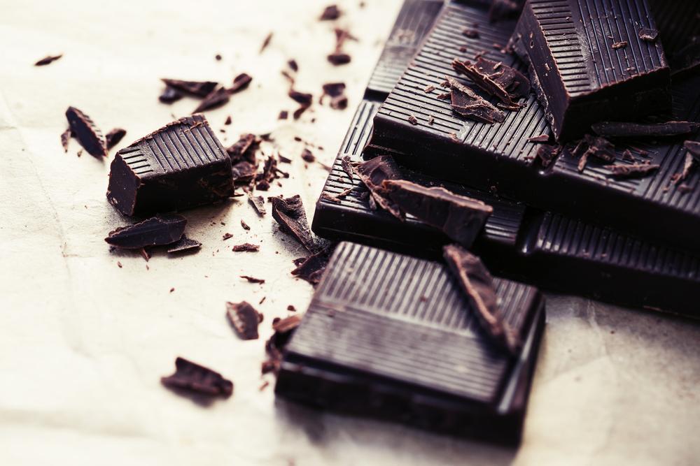 Tudi temna čokolada vsebuje kofein.