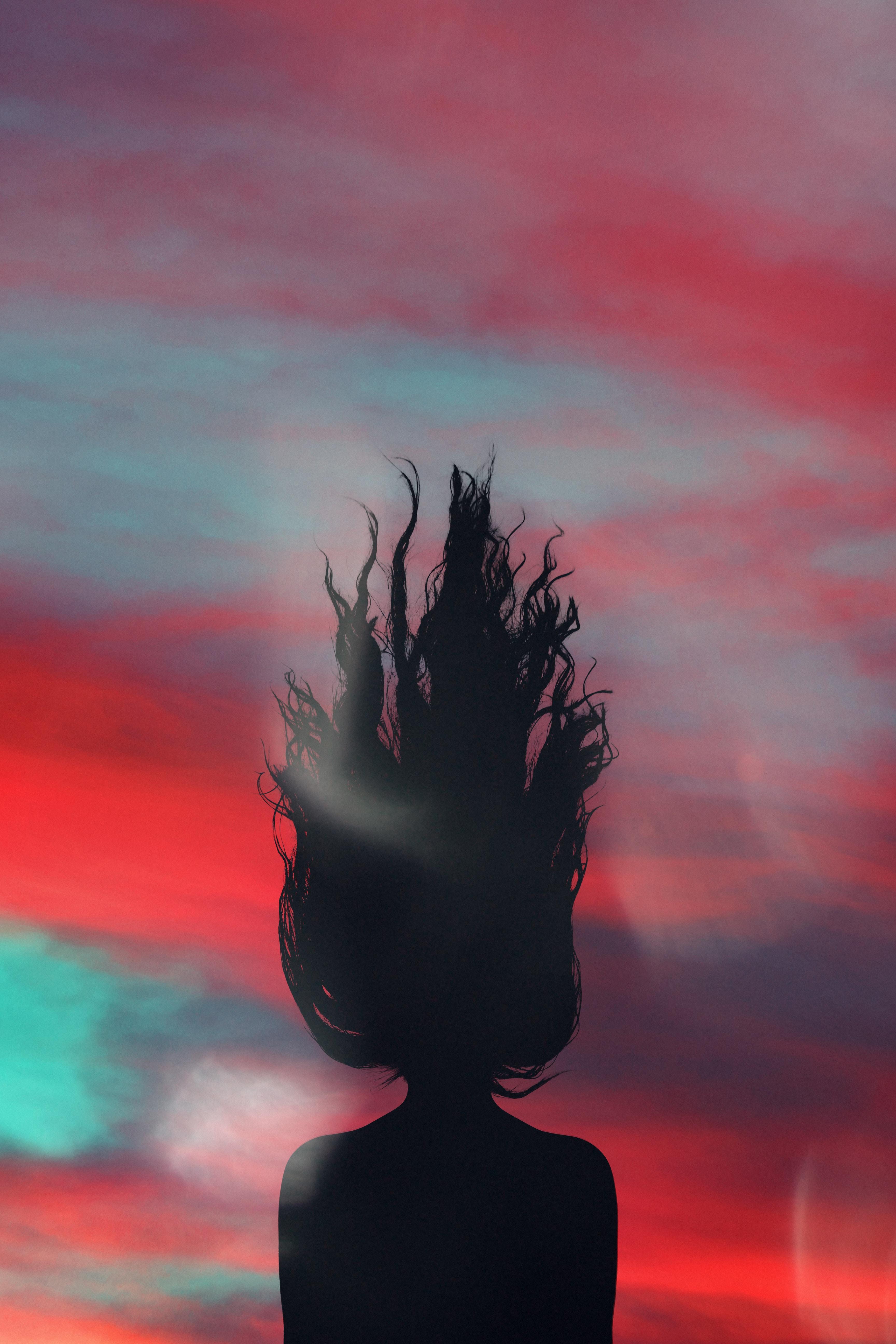 Barva las igra tudi pomembno vlogo pri izboru šminke.