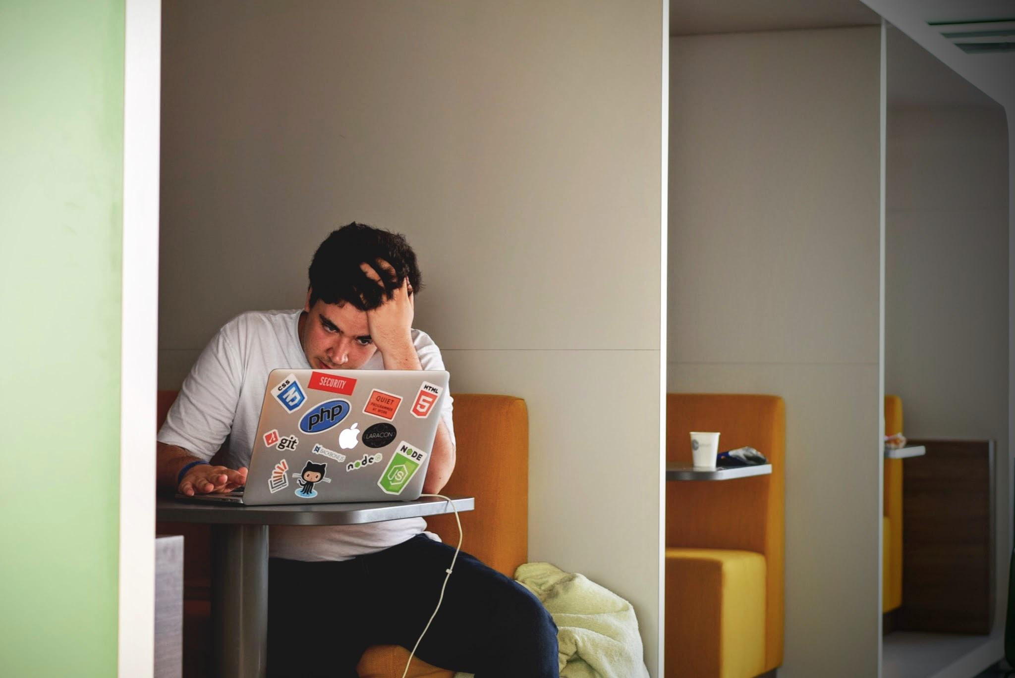 Mladi so vse bolj razočarani nad priložnostmi, ki jih ponuja življenje.