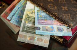 Česa nikoli ne smete imeti v denarnici, ker privlači revščino?