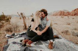 Koliko časa si morata dopisovati, preden gresta na prvi zmenek?