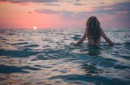 Sončne opekline: najboljši načini za zdravljenje glede na dermatologe
