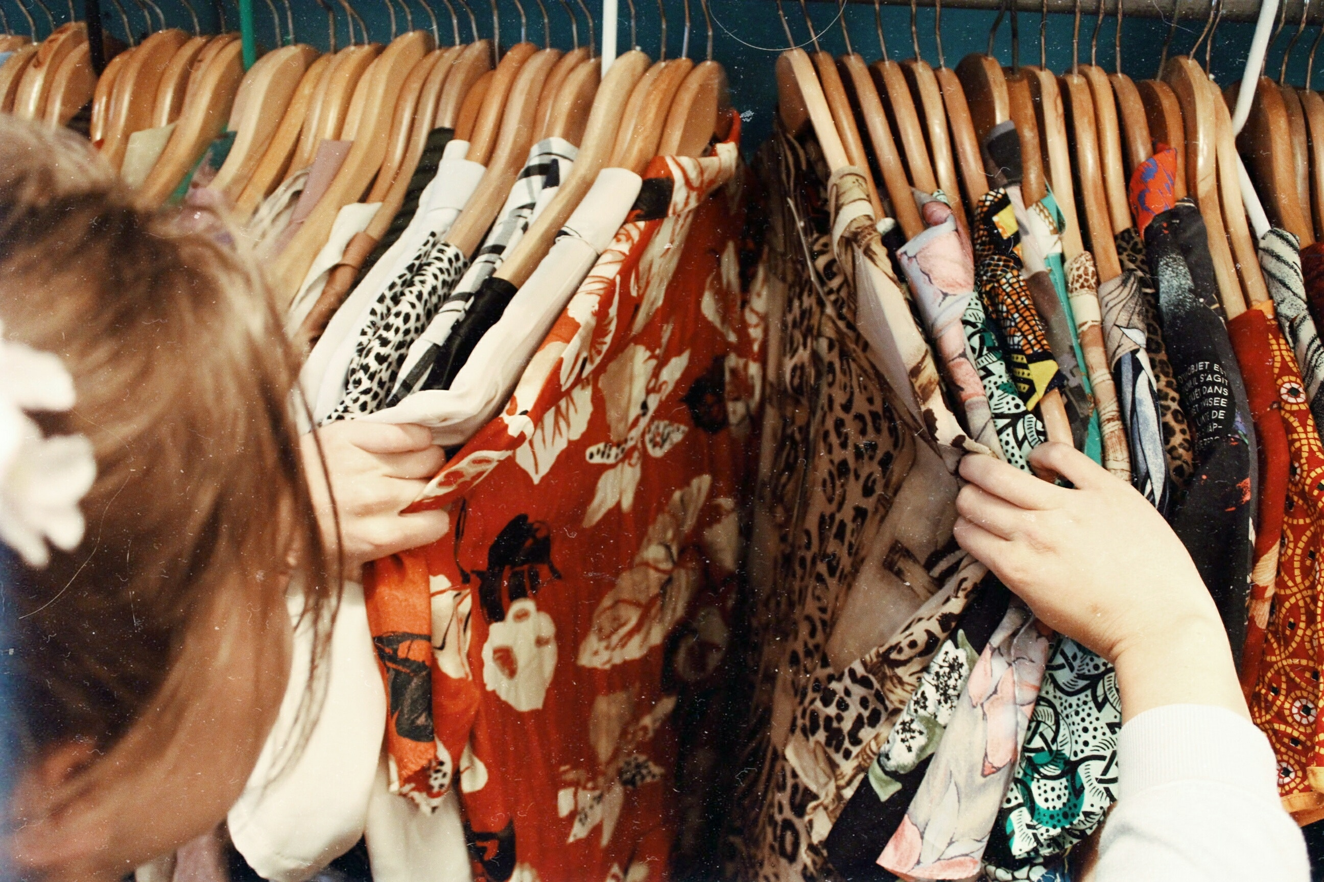 Vintage oblačila in torbice