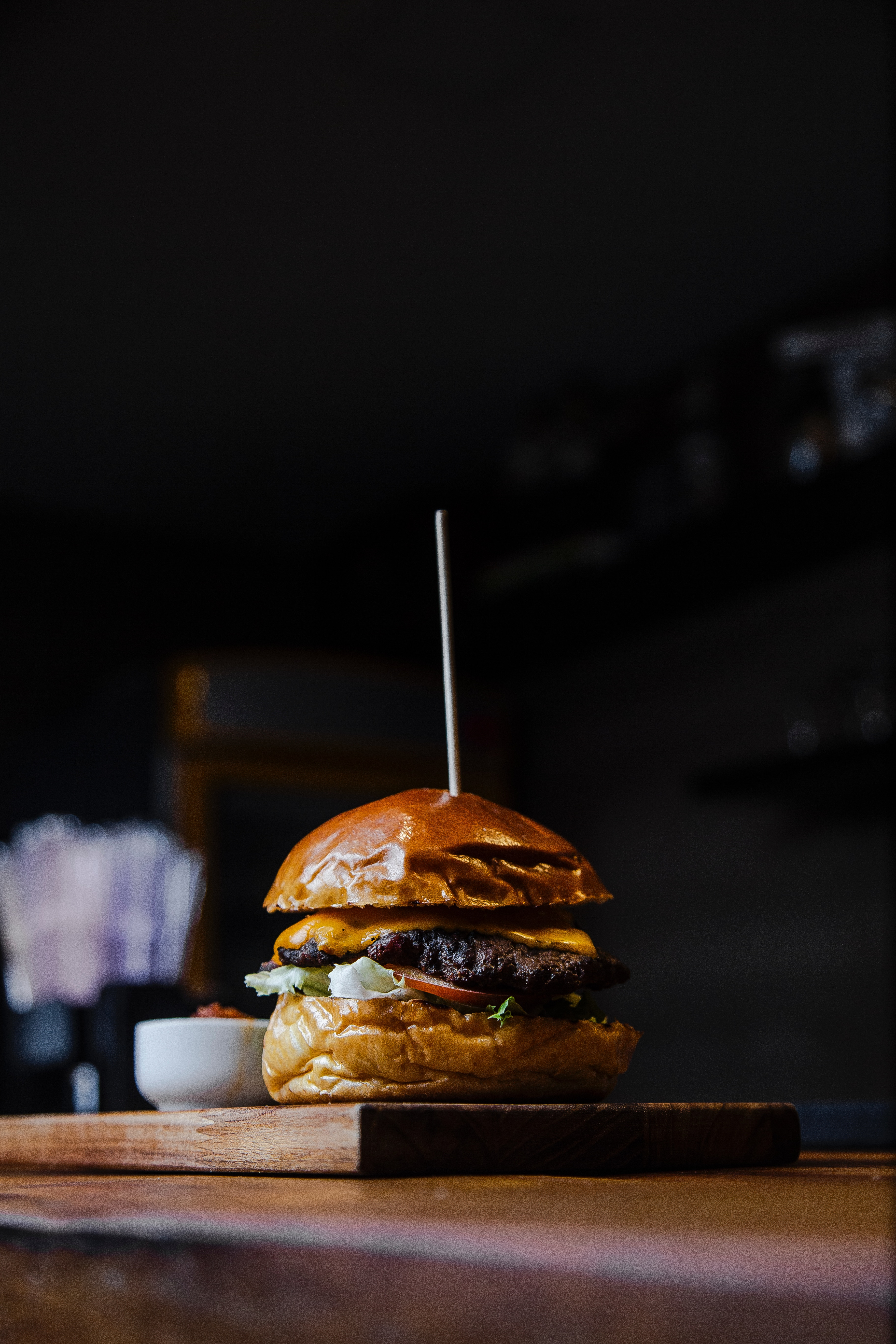 Zakaj je bolje pojesti dva burgerja kot enega?