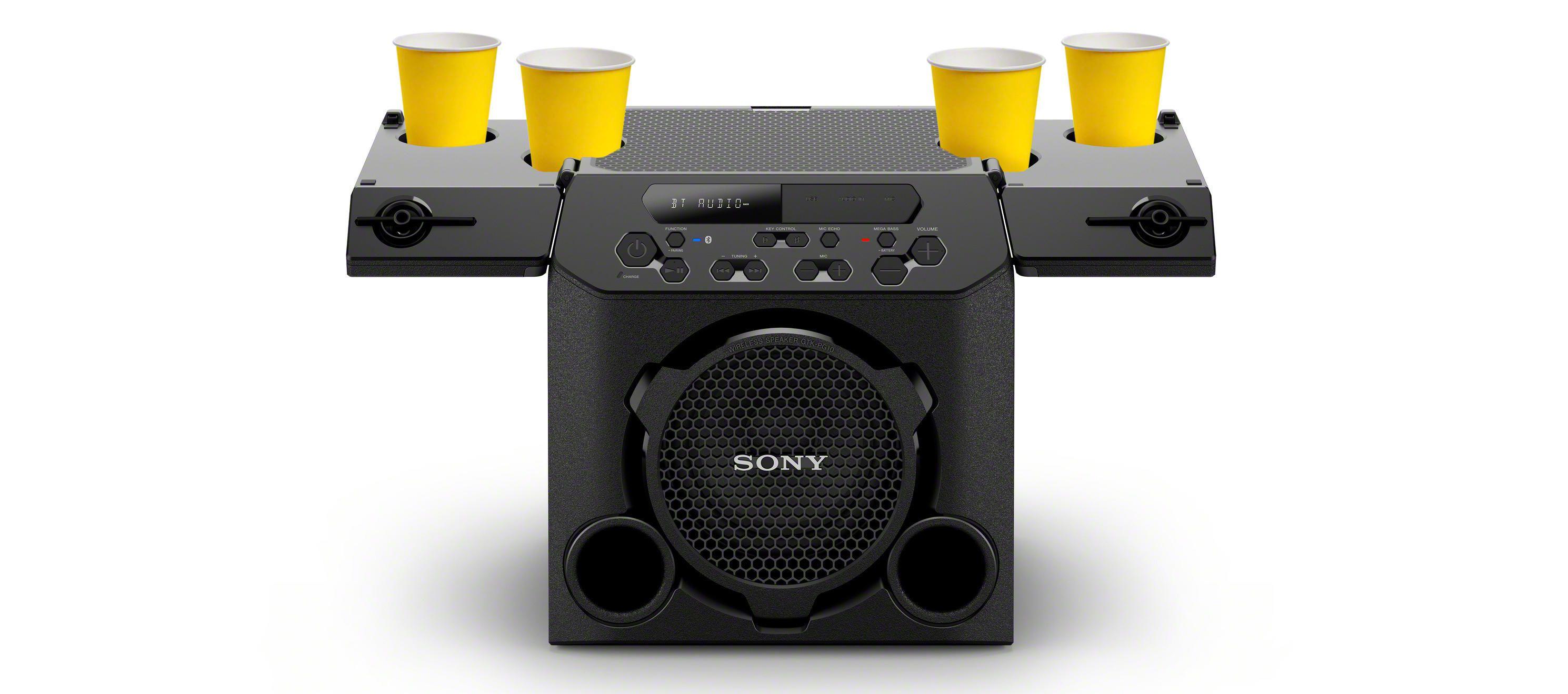 Sony GTK-PG 10 ima na zgornji plošči štiri odprtine za pijačo.
