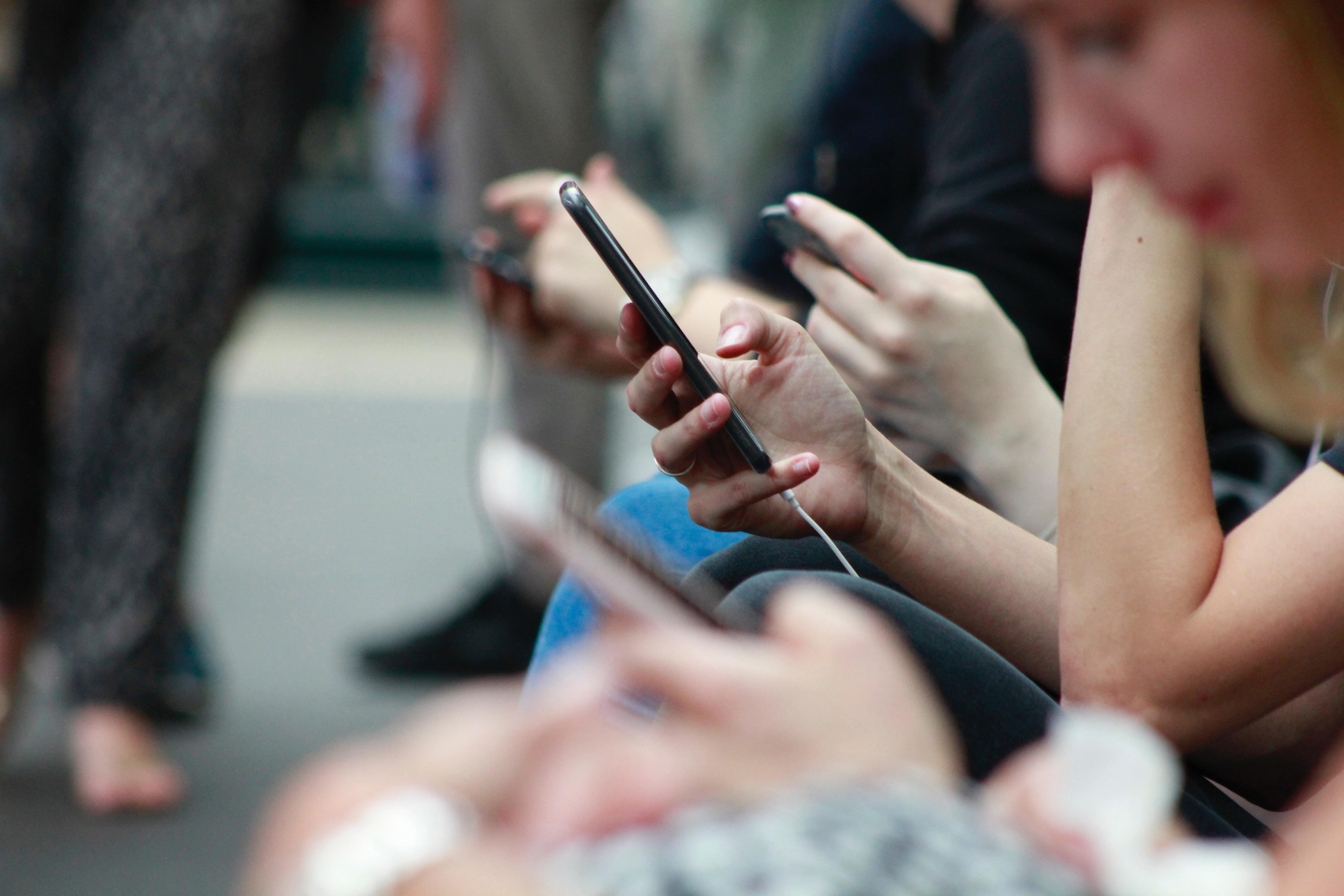 Čas, posvečen partnerjema, ne bi smel biti čas, posvečen telefonu.
