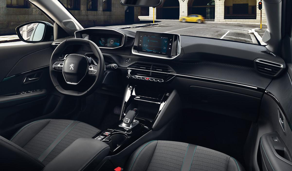 Novi Peugeot 208 - futurizem v notranjosti!